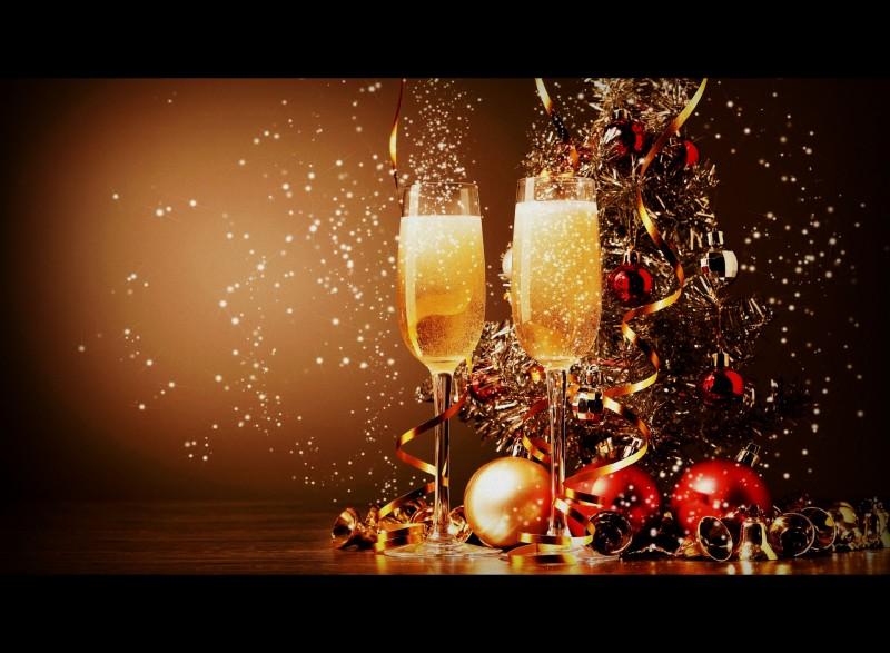 Or et champagne font la f te du jour de l 39 an comptoir for Table jour de l an