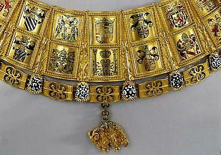 Le célèbre collier en or de l'ordre de la Toison d'or,  symbole de la Bourgogne par le comptoir d'achat et vente d'or Chalon