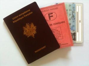 Passeport,  permis de conduire,  cni