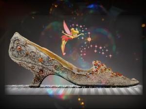 Pantoufle d'argent et soulier d'or pour un  jour de l'an précieux