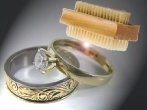 Dois je nettoyer mes bijoux avant de les vendre ?