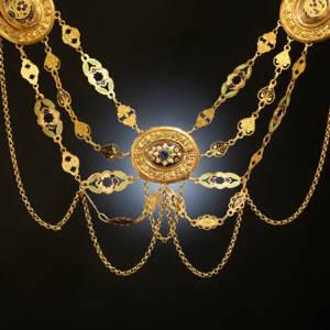 Le collier en Bourgogne: petite histoire du collier d'esclavage par le comptoir d'achat et vente d'or Mâcon