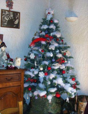 Les comptoirs d' achat et vente Or Amiens Rouen décorent le sapin de Noël